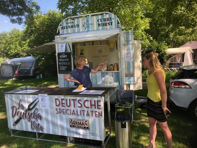 Foodtruck La Deutscha Vita op Camping de Kemphaan